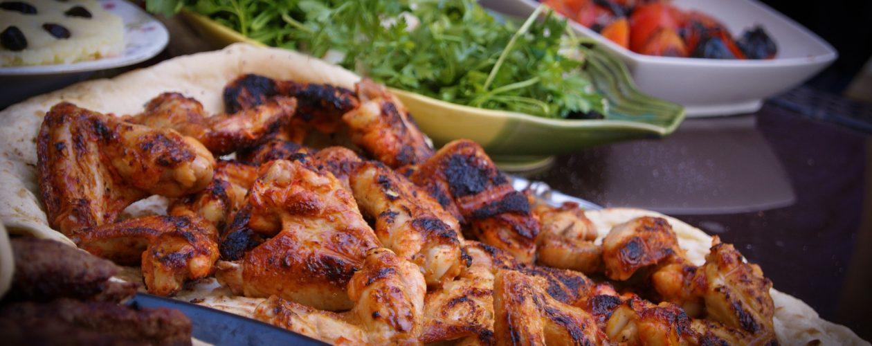 Un kebab de poulet, ça vous dit?